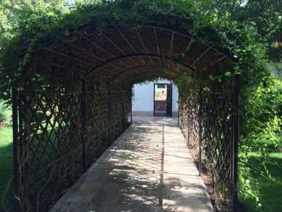 فروش باغ ویلا 2500 متری در زیبا دشت(کد147)
